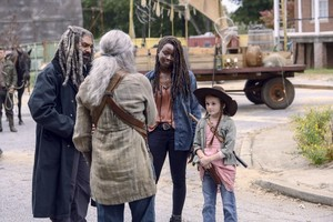 9x15 ~ The Calm Before ~ Michonne, Judith, Carol and Ezekiel