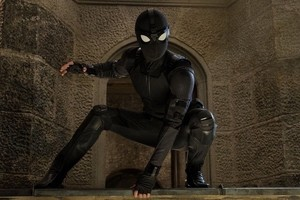 BTS litrato of Spider-Man's stealth suit in Spider-Man: Far From tahanan