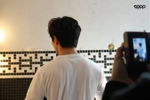 Behind the scenes of Kilian photoshoot