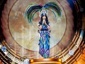 Cher 🦚