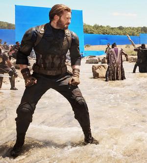 Chris Evans Behind the scene of Avengers: Infinity War