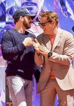 Chris Evans and RDJ handprints ceremony at the TCL Chinese Theatre in Los Angeles (April 23, 2019)