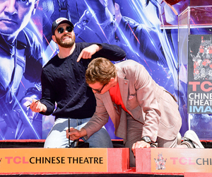 Chris and Robert with 'Avengers: Endgame' Cast Handprints Ceremony, Los Angeles (April 23, 2019)
