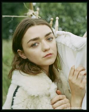 Elle ~ September 2018