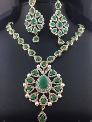 zamrud, emerald kalung And Earring Set