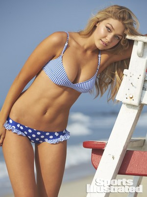 Gigi ~ Sports Illustrated maillot de bain (2014)