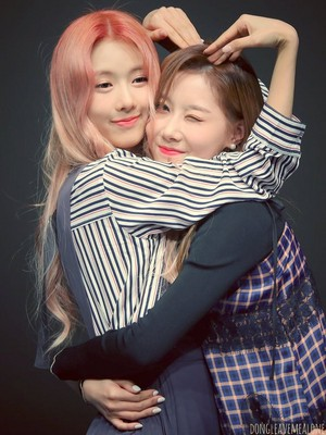 Handong/Yoohyeon🌹💖