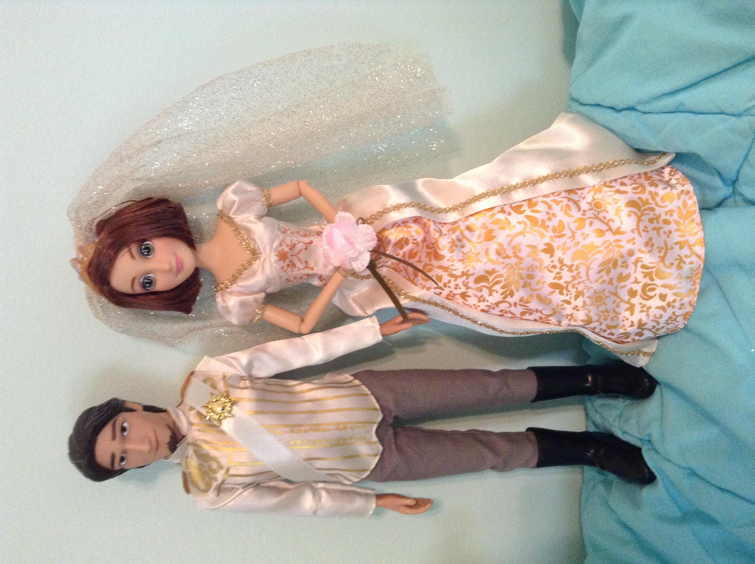 Rapunzel and Eugene Wedding Doll Set
