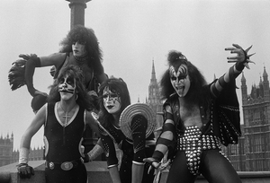 ciuman ~London, England...May 10, 1976