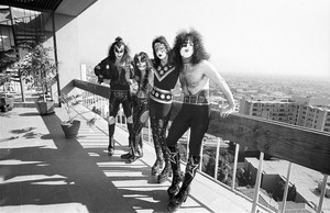 キッス ~Los Angeles, California...January 16, 1975 (Playboy Building)