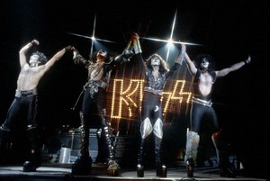ciuman ~Norfolk, Virginia...January 25, 1983