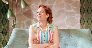 Katherine Parkinson as Judy in halaman awal Im Darling