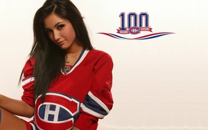 Misa Campo: glamour model from Montreal - Montreal Canadiens jersey