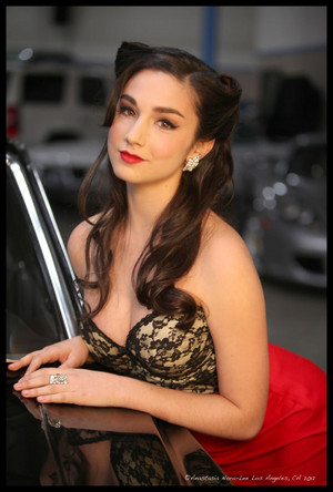 Molly Ephraim - 아나스타샤 Nora Lee Photoshoot - 2012
