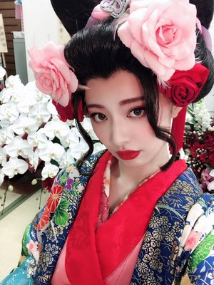 Muto Tomu as Koharu in Bakumatsu Taiyo Den Gaiden