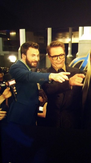 Robert and Chris at the Avengers: Endgame World Premiere in Los Angeles (April 22nd, 2019)