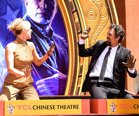 Scarlett and Mark at 'Avengers Endgame' Cast Handprints Ceremony, Los Angeles (April 23, 2019)