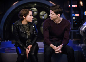 "The Flash 5.22 ""Legacy"" Promotional imágenes ⚡️"
