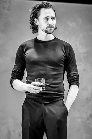 Tom Hiddleston - Betrayal