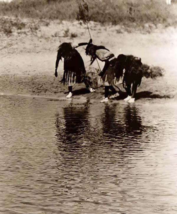 Water Purification Rite during the Cheyenne Animal Dance 1927 sejak Edward S. Curtis