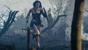 Wonder Woman kertas dinding