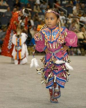 🤲 Celebrating the Jingle Dress Dance (zaangwewe-magooday) 👣