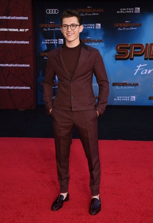Tom Holland -Spider-Man: Far From trang chủ Premiere (June 26, 2019)