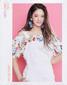 프로미스나인 (fromis_9) 1st Single Album [FUN FACTORY] Official 写真 FUN ver. Jang Gyuri
