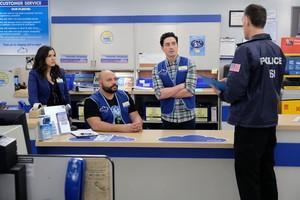 4x22 - Employee Appreciation araw - Amy, Garrett, Jonah and Agent Robson