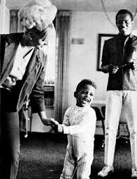 At home pagina With Lou Rawls And His Family
