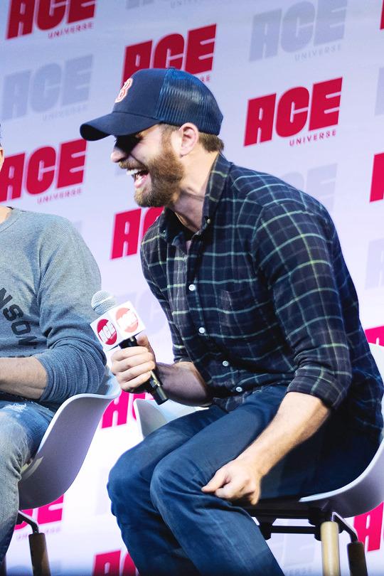 Chris Evans at Ace Comic Con Seattle June 29, 2019 - Chris