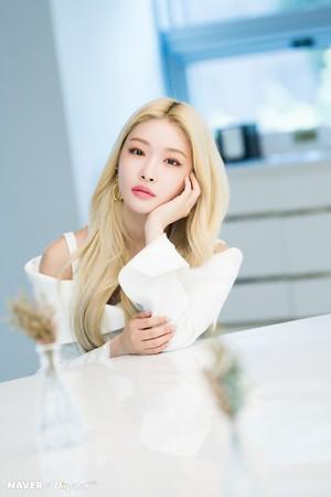 "Chungha - ""Flourishing"" promotion photoshoot da Naver x Dispatch"