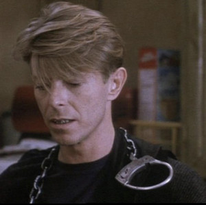 David Bowie in the linguini incident 3