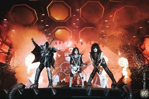 吻乐队(Kiss) ~Clisson, France...June 22, 2019 (Hellfest)