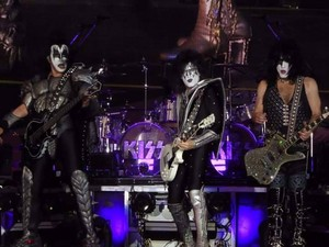 KISS ~Iffezheim, Germany...July 6, 2019 (Rennbahn)
