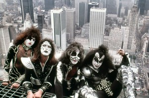 キッス (NYC) June 24, 1976 (Empire State Building)