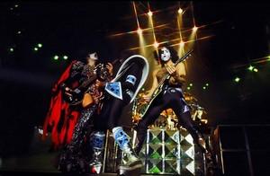ciuman ~Pembroke Pines, Florida...June 17, 1979