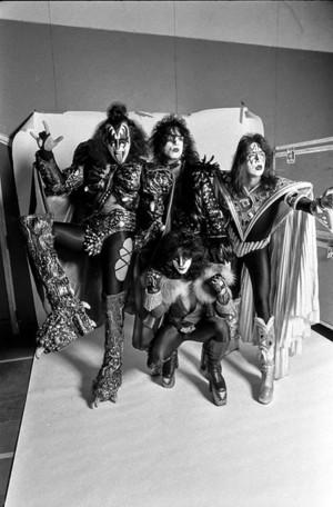 吻乐队(Kiss) ~Stockholm, Sweden...October 9, 1980
