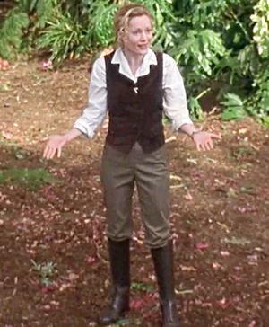 Leslie Mann as Ursula Stanhope