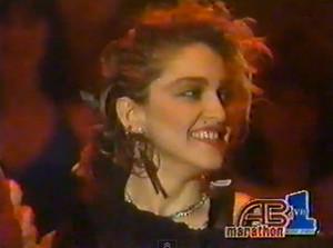 मैडोना Ametican Bandstand 1984