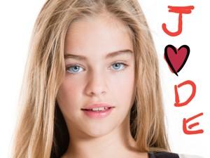 Miss Jade वॉलपेपर