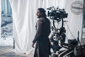New behind-the-scenes season 8 写真 from EW's post-finale 'GoT' issue
