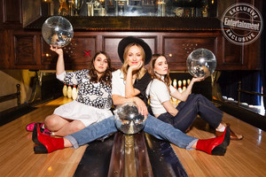 Olivia Wilde, Kaitlyn Dever and Beanie Feldstein - Entertainment Weekly Photoshoot - 2019