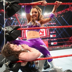 Raw 5/27/19 ~ Becky/Nikki Cross vs The IIconics