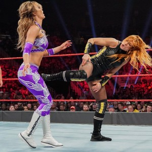 Raw 5/27/19 ~ Becky/Nikki tumawid vs The IIconics