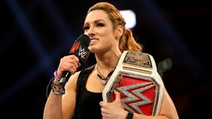 Raw 6/17/19 ~ Becky Lynch attacks Lacey Evans