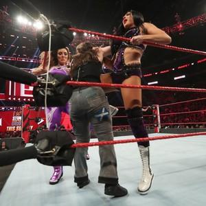 Raw 6/17/19 ~ The IIconics vs Alexa Bliss/Nikki Cross
