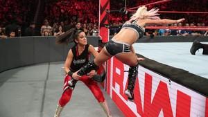 Raw 6/17/19 ~ The IIconics vs Alexa Bliss/Nikki クロス