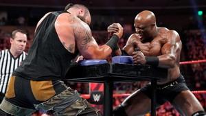 Raw 6/3/19 ~ Braun Strowman vs Bobby Lashley Arm Wrestle