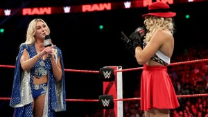 Raw 6/3/19 ~ Lacey Evans vs चालट, चार्लोट, शेर्लोट Flair